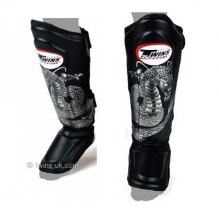 Twins Special Shin Pads FSG-23S Black-Silver Dragon SGL10 DOUBLE PADDED