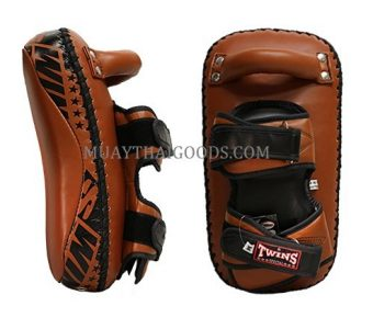 KPL12 LEATHER KICKING PADS FOREARM TRAINING CURVED TWINS SPECIAL BROWN CLASSIC